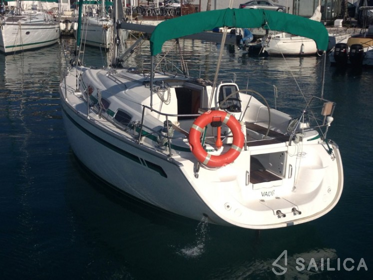 Rent Bavaria 30 Cruiser in Spain - Sailica