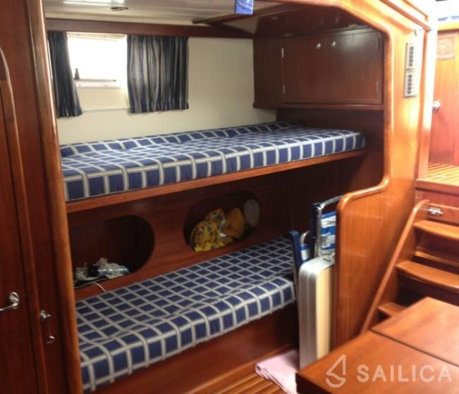 Menorquina Yacht 100 - Yacht Charter Sailica