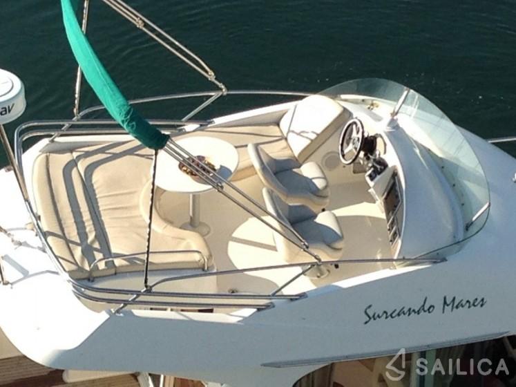 Prestige 32 in Port Aiguadolc - Sailica