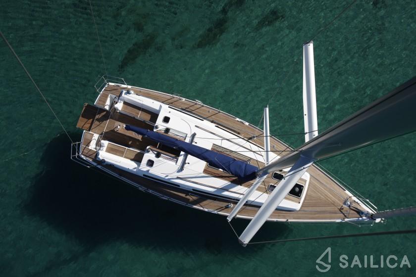Dufour 405 - Yacht Charter Sailica