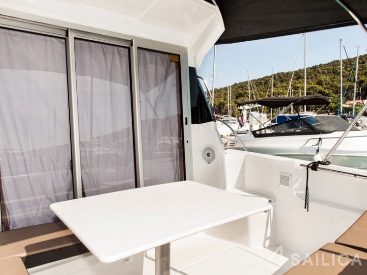 Merry Fisher 795 - Yacht Charter Sailica