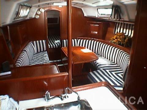 Oceanis 361 - Yacht Charter Sailica