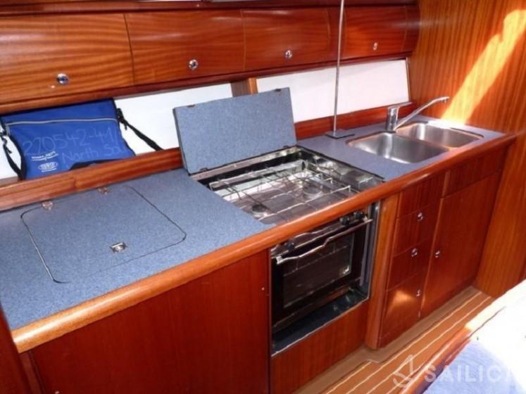 Bavaria 41 - Yacht Charter Sailica