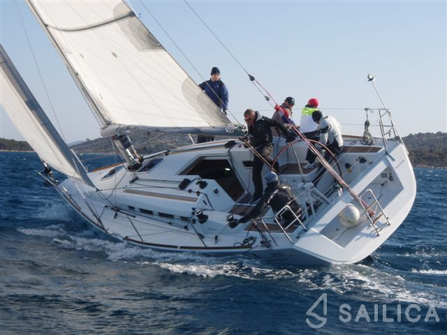 First 35 - Yacht Charter Sailica