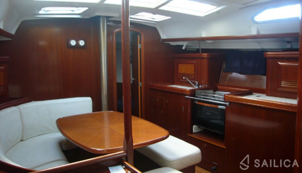 Rent Oceanis 393 in Spain - Sailica