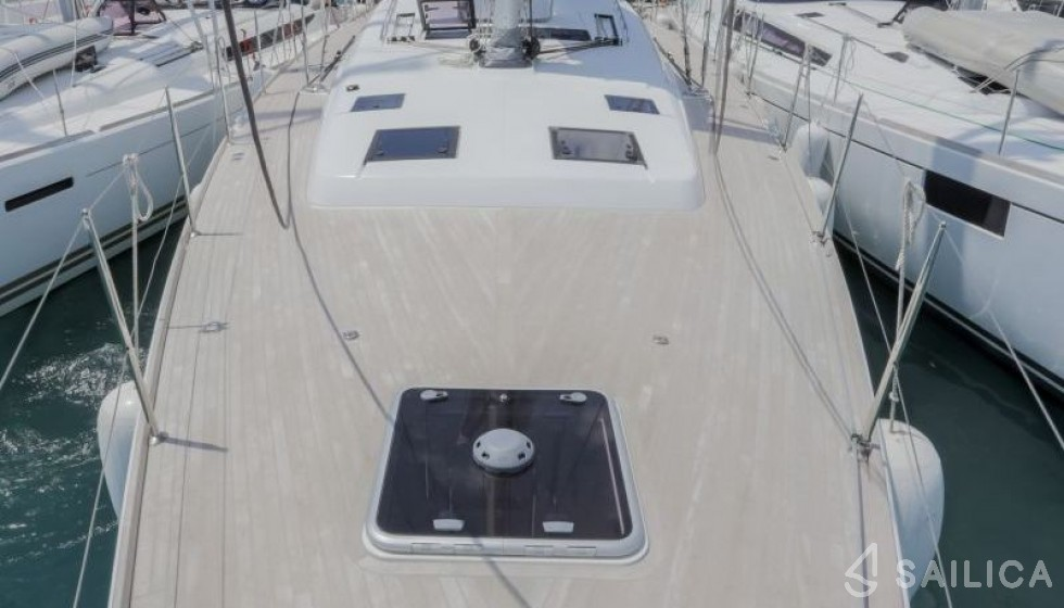 Oceanis 60 in Marina Baotic - Sailica