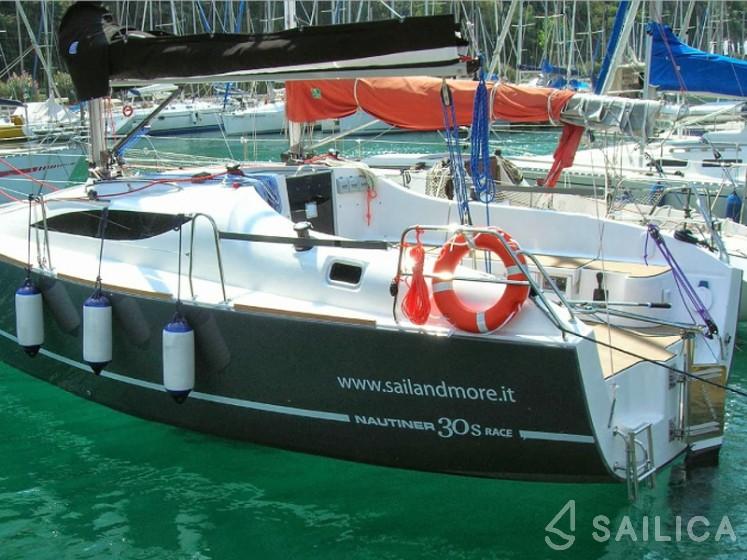 Rent Nautiner 30S Race in Italy - Sailica