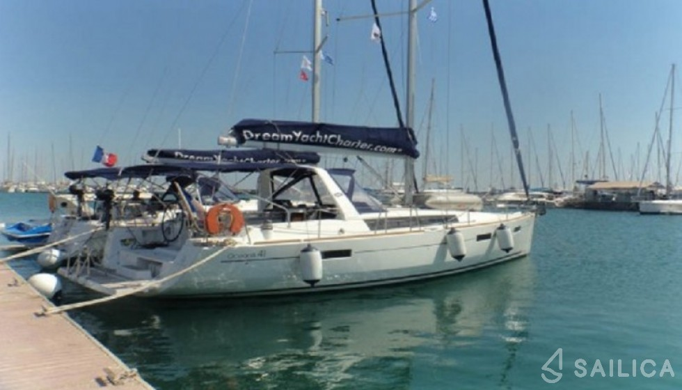 Beneteau 41 - Yacht Charter Sailica