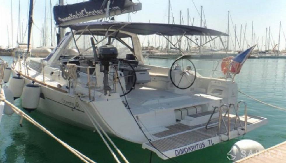 Beneteau 41 in Mandraki Marina - Sailica