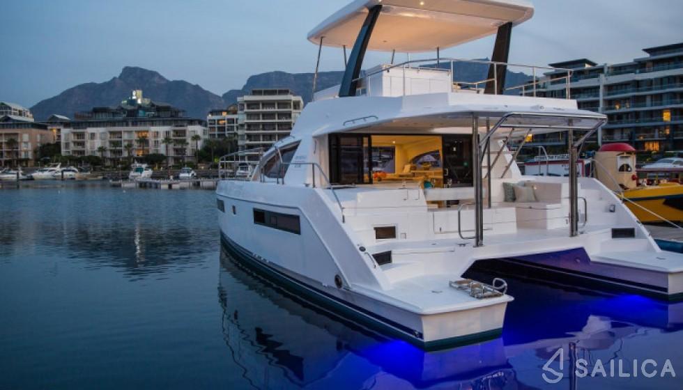 Leopard 433 for Rent in Puerto Del Rey Marina, Fajardo