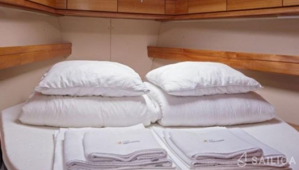 Bavaria 42 Cruiser - Sailica Yacht Booking System #8