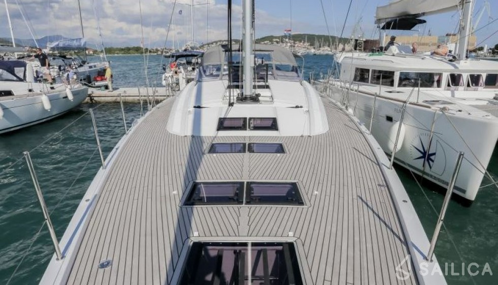 Jeanneau 64 - Чартер яхт Sailica