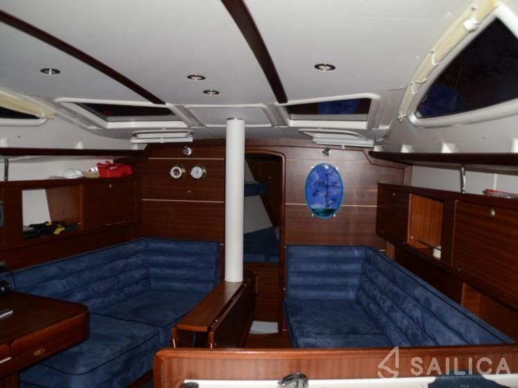 Delphia 33 - Yacht Charter Sailica