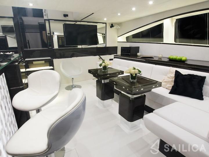 Sunreef 70 Power - Yacht Charter Sailica