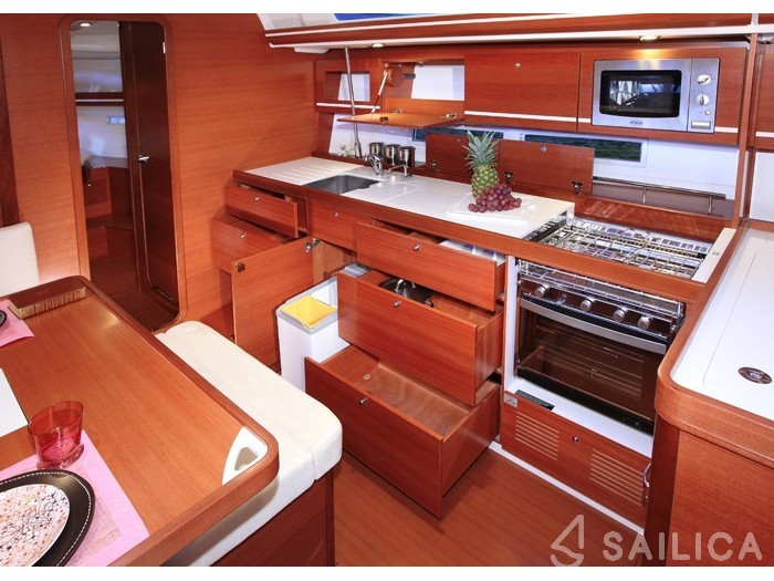 Dufour 450 Grand Large - Yacht Charter Sailica