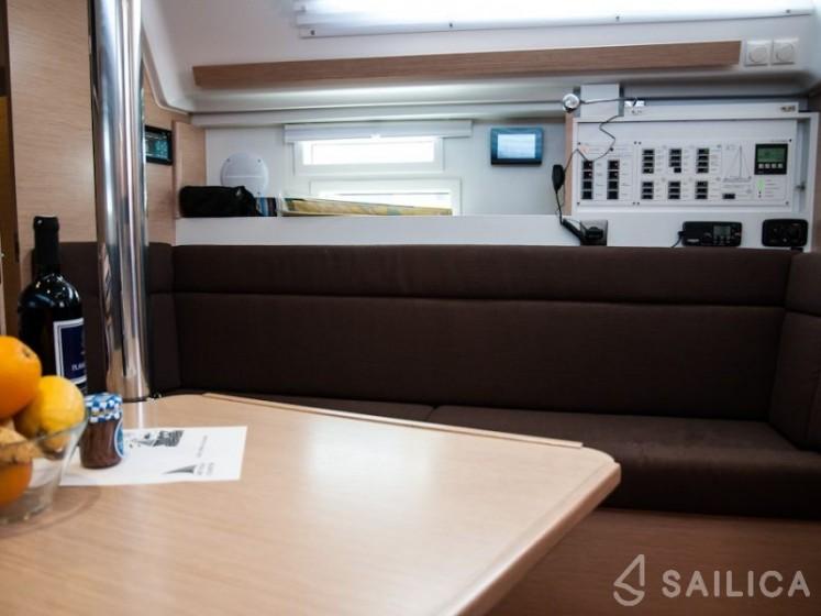 Elan 354 Impression - Yacht Charter Sailica