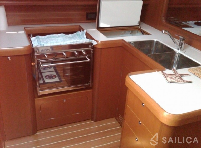 Grand Soleil 45 - Yacht Charter Sailica