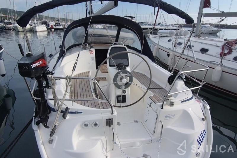 Bavaria 30 Cruiser - Yacht Charter Sailica