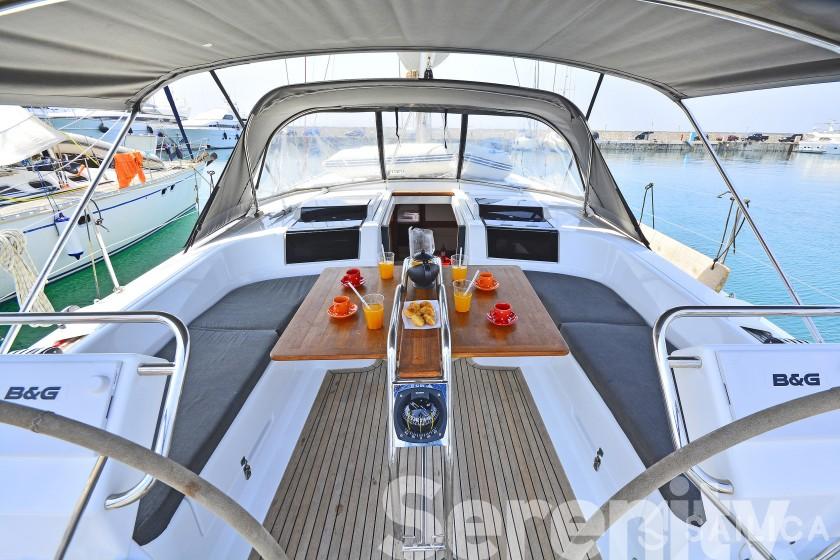 Hanse 455 - Yacht Charter Sailica