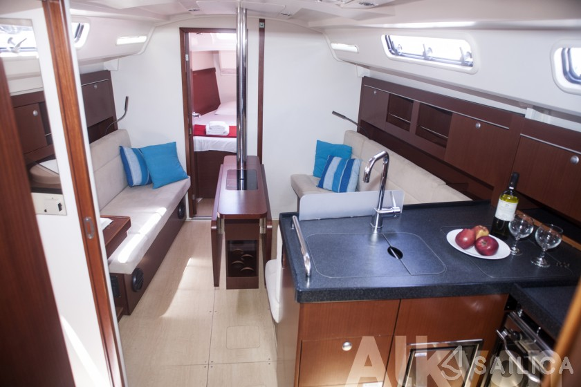 Hanse 345 - Yacht Charter Sailica