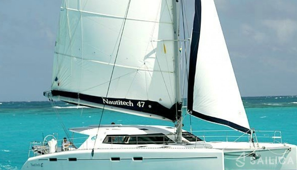 Nautitech 47 in Marina Lavrion - Sailica