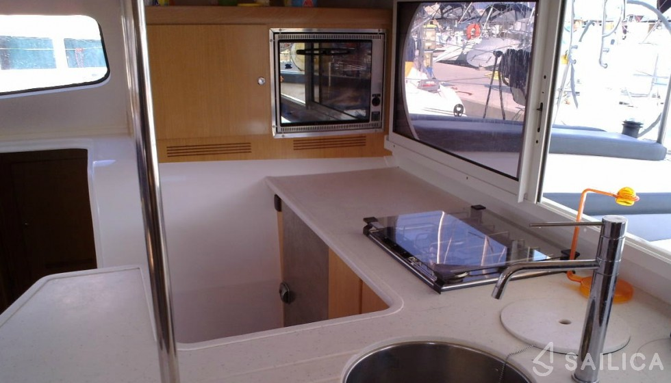 Nautitech 47 - Sailica Yacht Booking System #8