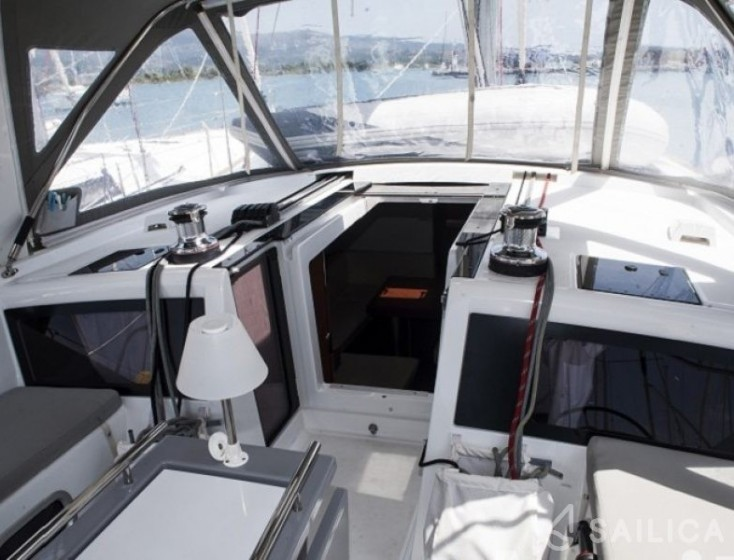 Rent Oceanis 48 in Croatia - Sailica