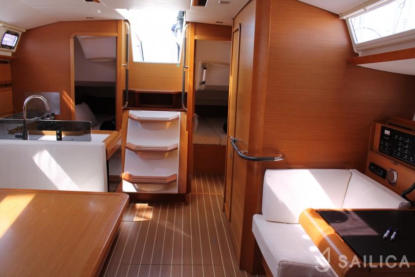 Sun Odyssey 439 - Yacht Charter Sailica