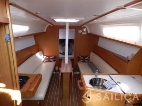 Rent Sun Odyssey 33i in Spain - Sailica