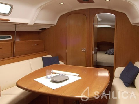 First 36.7 - Yacht Charter Sailica