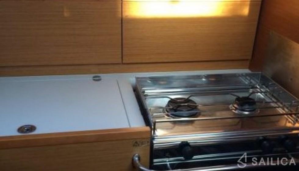 Jeanneau 40.9 - Sailica Yacht Booking System #5