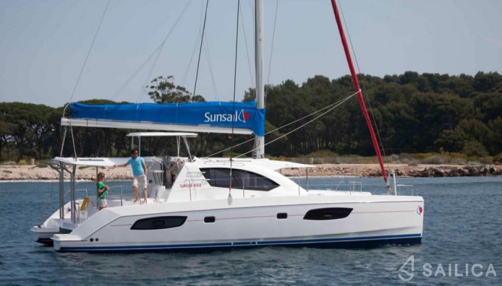 Leopard 444 - Yacht Charter Sailica