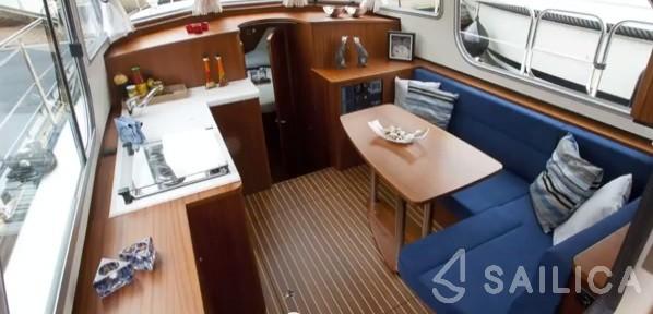 Linssen Classic Sturdy 28.9 Sedan - Yacht Charter Sailica