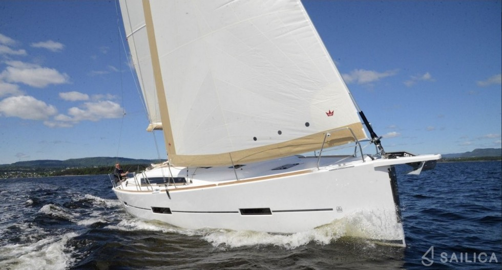 Dufour 412 Grand large - Yacht Charter Sailica