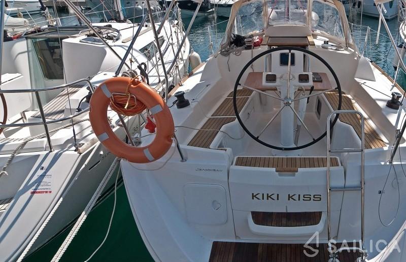 Sun Odyssey 33i - Yacht Charter Sailica