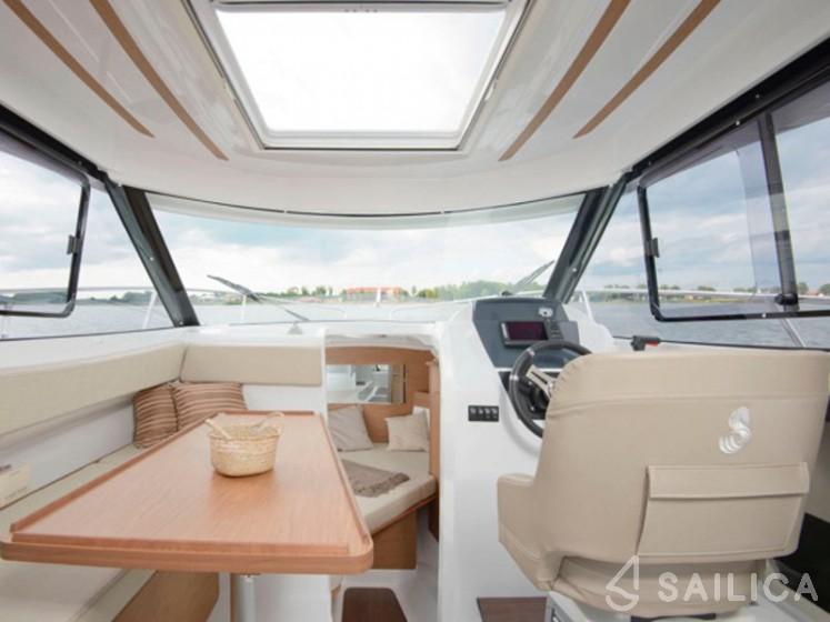 Antares 7.80 - Yacht Charter Sailica