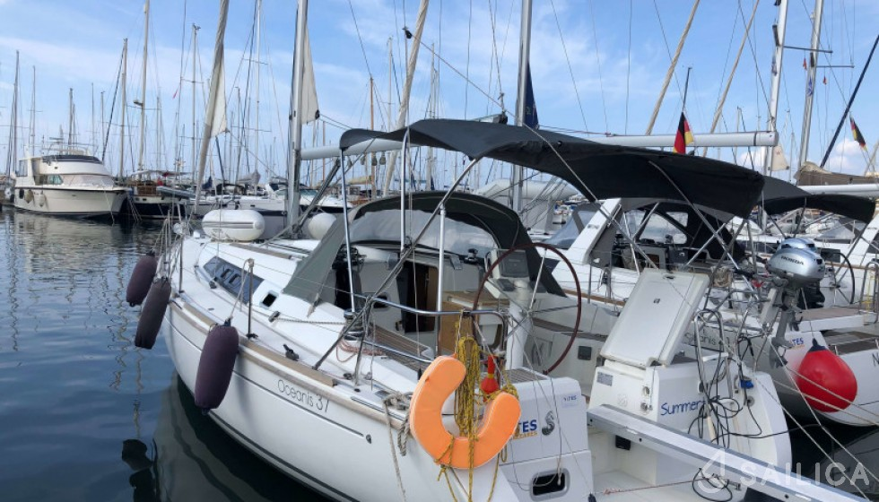 Beneteau 37 - Sailica Yacht Booking System #4