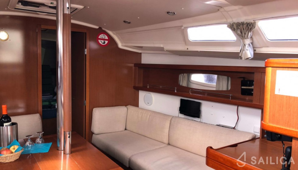 Beneteau 37 - Sailica Yacht Booking System #7