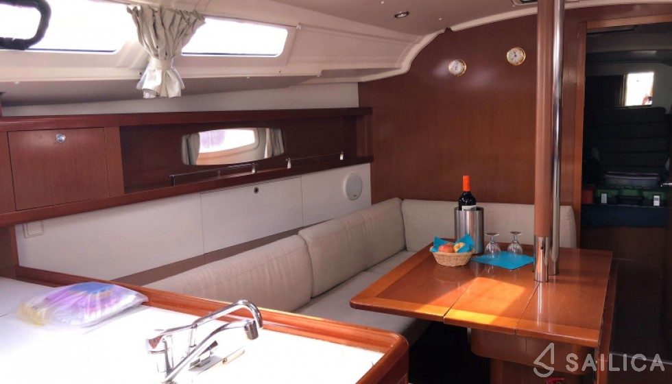 Beneteau 37 - Sailica Yacht Booking System #6
