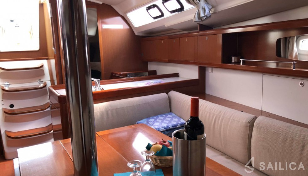 Beneteau 37 - Sailica Yacht Booking System #9