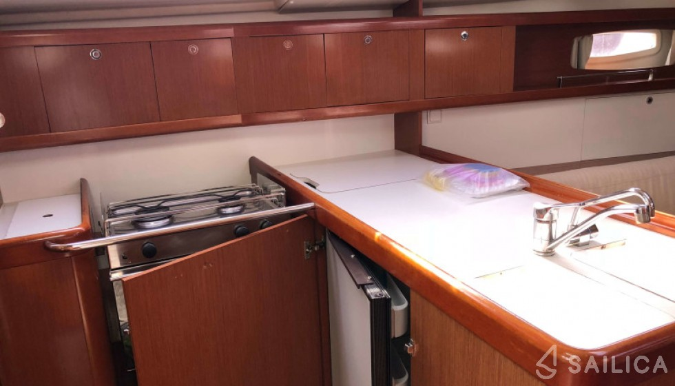 Beneteau 37 - Sailica Yacht Booking System #10