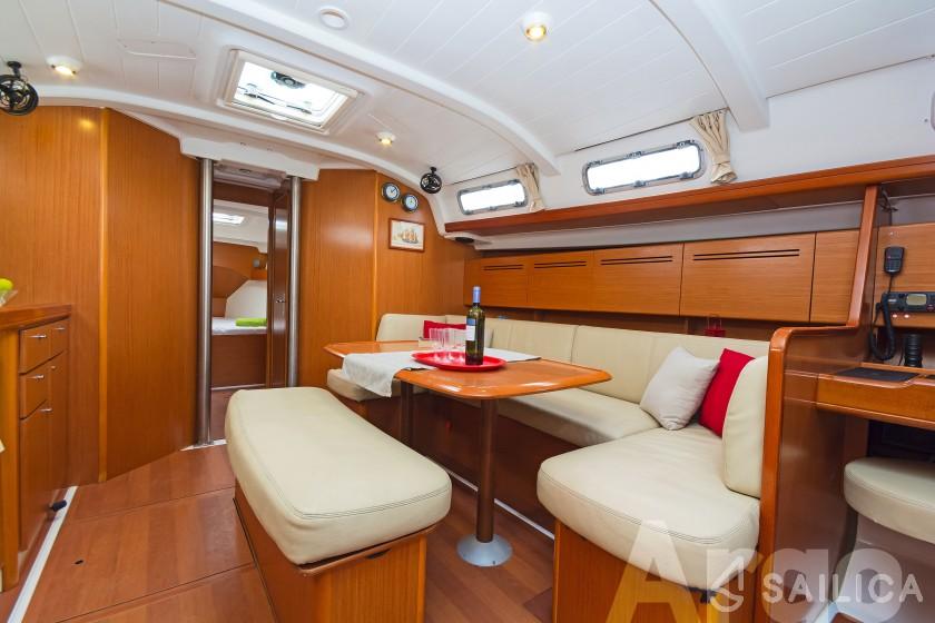 Cyclades 43.4 - Yacht Charter Sailica