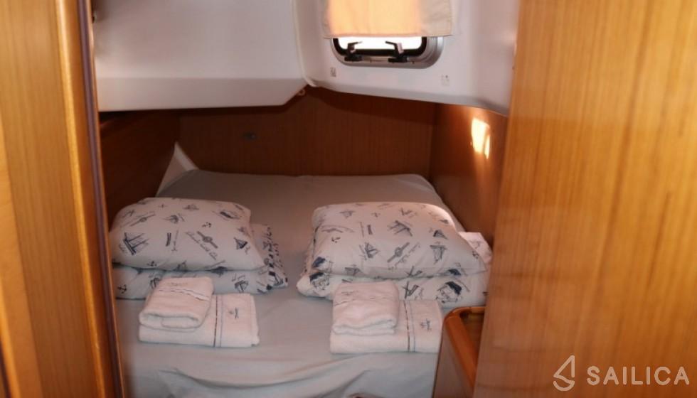 Jeanneau 44i - Sailica Yacht Booking System #7