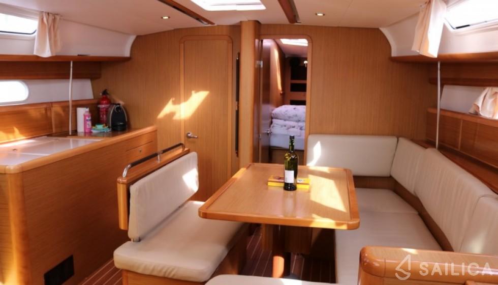 Jeanneau 44i - Sailica Yacht Booking System #5
