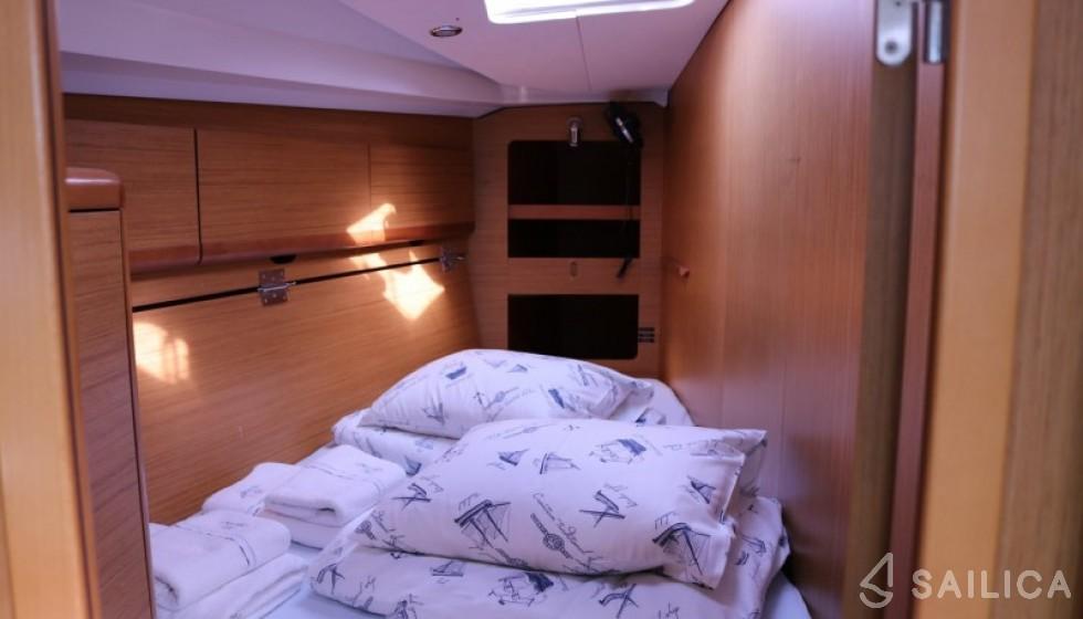 Jeanneau 44i - Sailica Yacht Booking System #8