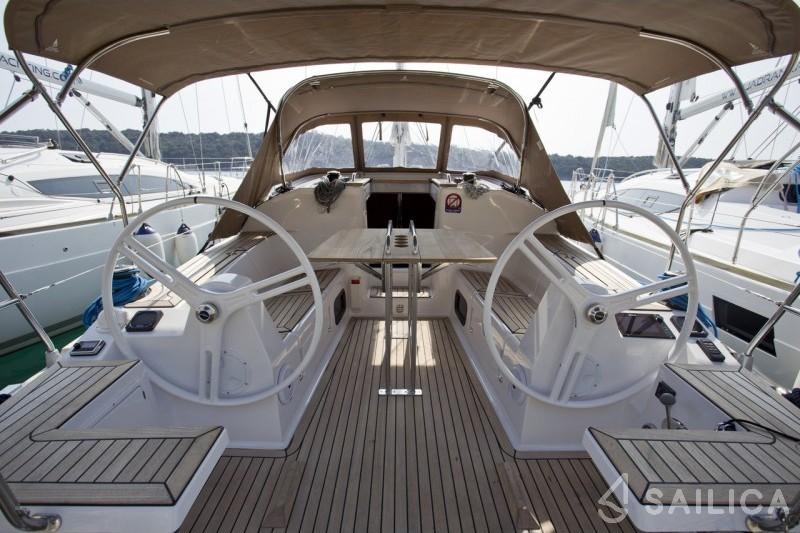 Elan 35 Impression - Yacht Charter Sailica