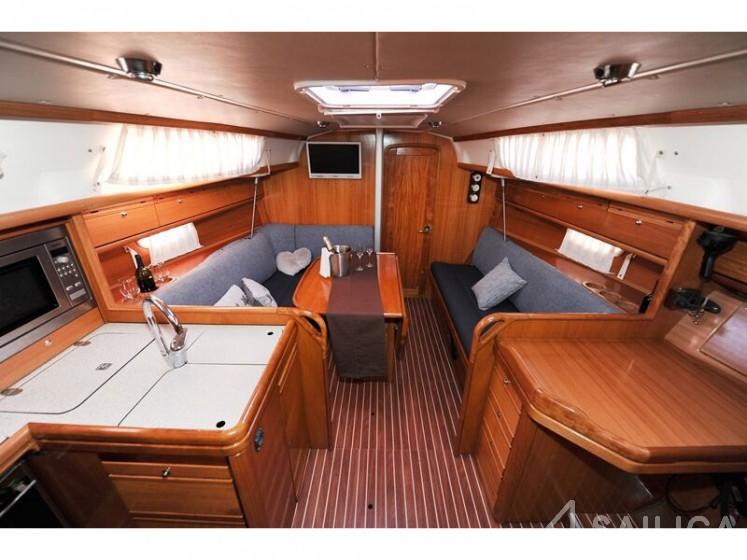 Bavaria 34 Cruiser - Yacht Charter Sailica