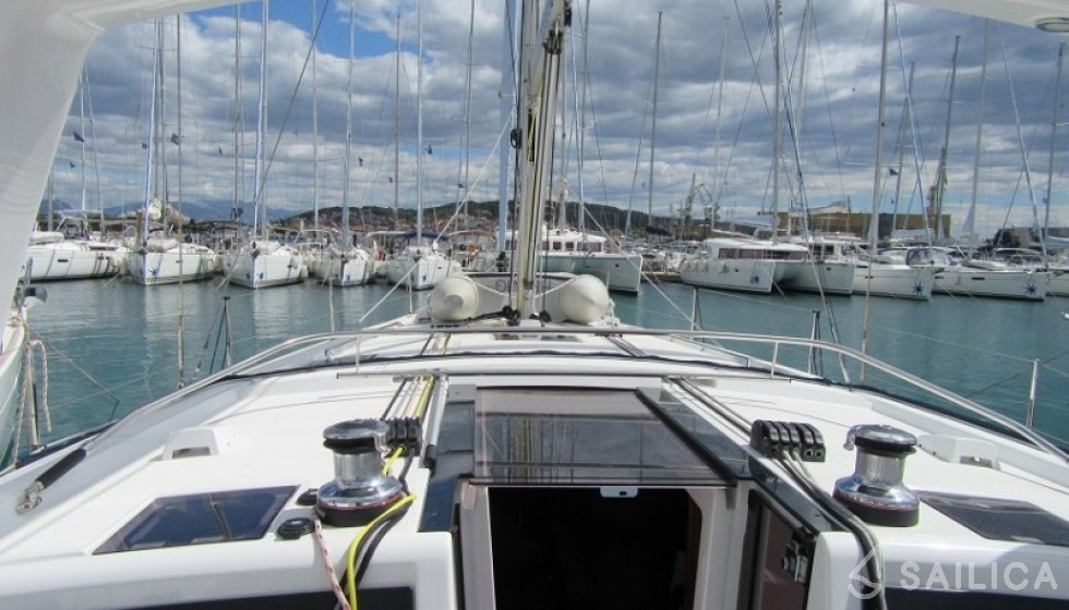 Oceanis 48-4 in Marina Baotic - Sailica