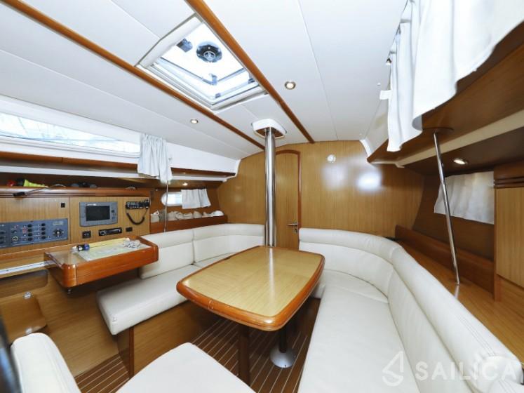 Sun Odyssey 39i - Yacht Charter Sailica