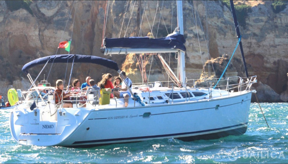 Rent Sun Odyssey 43 in Portugal - Sailica